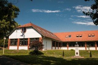 Liszt Ferenc Német Nemzetiségi Általános Iskola és AMI